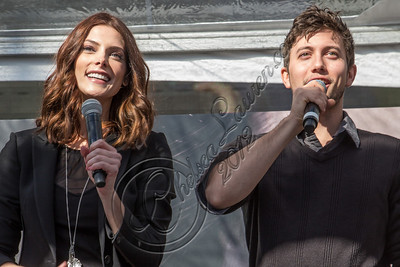 LOS ANGELES, CA - NOVEMBER 10:  Actors Ashley Greene (L) and Jackson Rathbone (R) attend the Twilight fan camp concert at L.A. LIVE on November 10, 2012 in Los Angeles, California.  (Photo by Chelsea Lauren/WireImage)