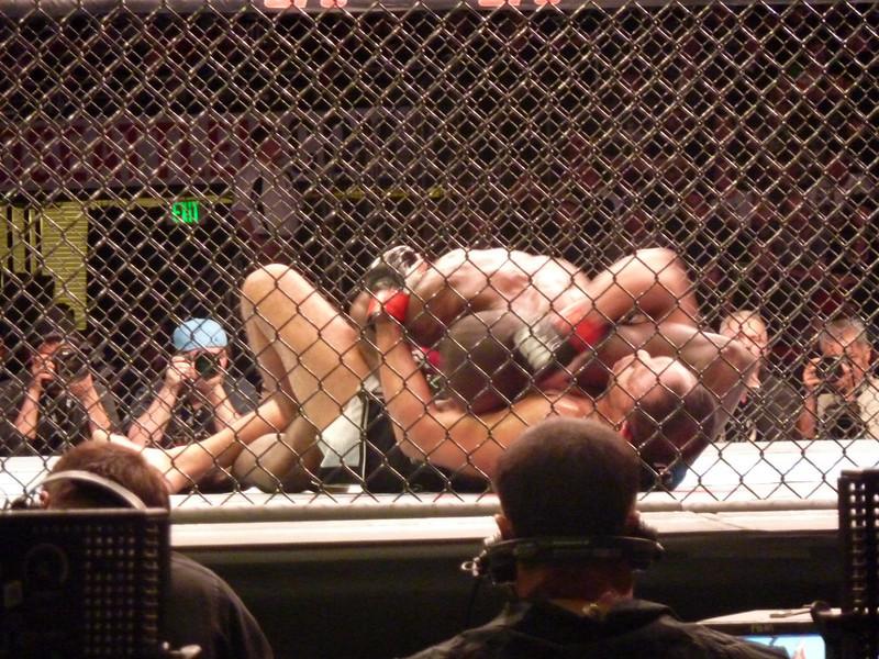 Davis wrestling Nogueira