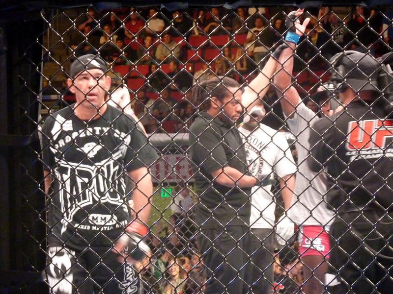 Davis beats dissapointed Nogueira