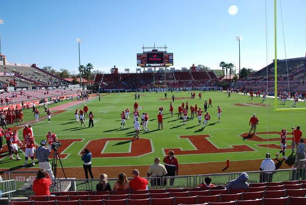 2012 UH last game Roberts Stadium