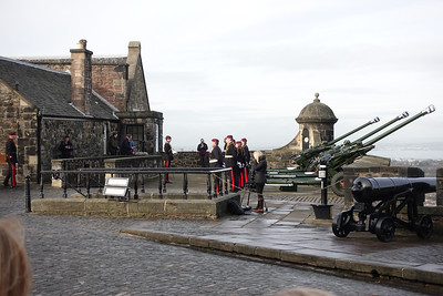 21 Gun Salute-Prince Charles 69th Birthday_Edinburgh Castle_Edinburgh_Scotland_GJP02900