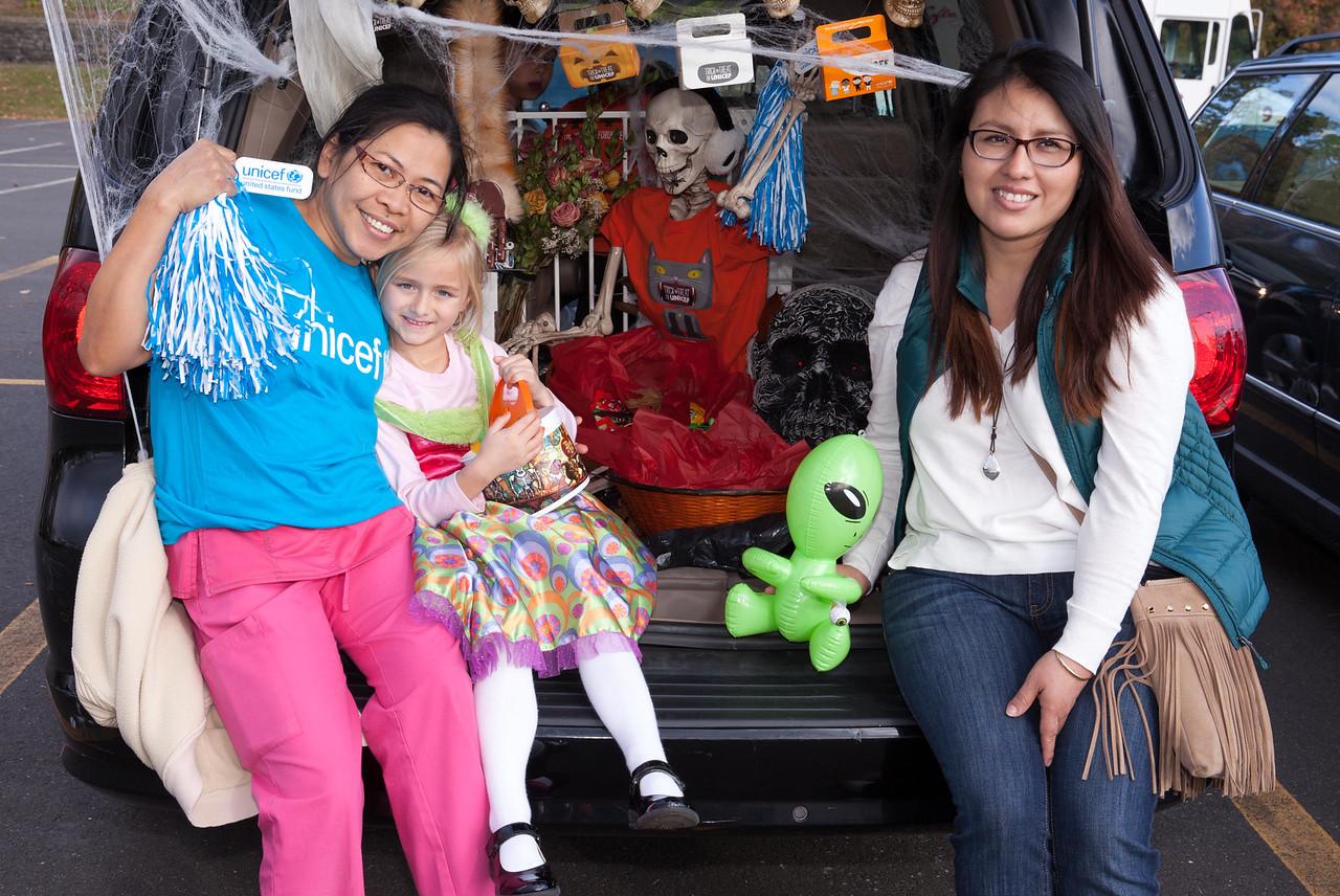 IMG_2187 Revelacion Vicente, Mia Reyes and Erika Ayala