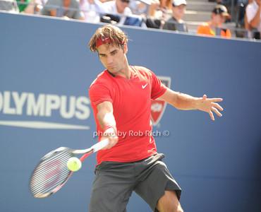 Roger Federer photo by Rob Rich/SocietyAllure.com © 2011 robwayne1@aol.com 516-676-3939