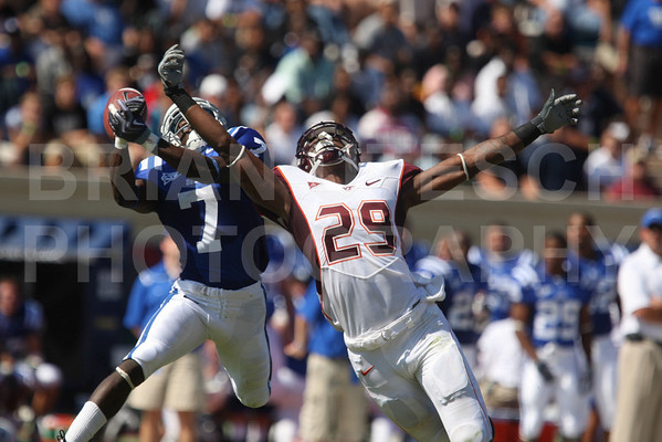 Oct 3, 2009; Durham, NC, USA; Duke Blue Devils Leon Wright (7) defends a pass against Virginia Tech Hokies split end Xavier Boyce (29) during the first half at Wallace Wade Stadium.  Mandatory Credit: Brian Utesch-US PRESSWIRE