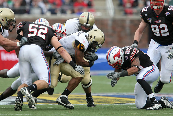 Dec 30, 2010; Dallas, TX, USA; SMU Mustangs  defensive back Justin Sorrell (25) prepares to tackle Army Black Knights split back Patrick Mealy (5) during the second half of the 2010 Armed Forces Bowl at Gerald J. Ford Stadium.  The Black Knights defeated the Mustangs 16-14.  Mandatory Credit: Brian Utesch-US PRESSWIRE