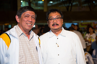 Noel Maximo (on the right), the voice of USTHS '74.  Nakakaginaw ang boses.