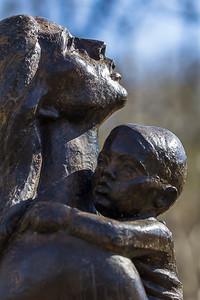 Mother & Child 1973, bronze