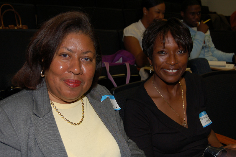 Vicki Phillips (left) and Brenda Lamont.<br /> <br /> <br /> Photo by Isidra Person-Lynn
