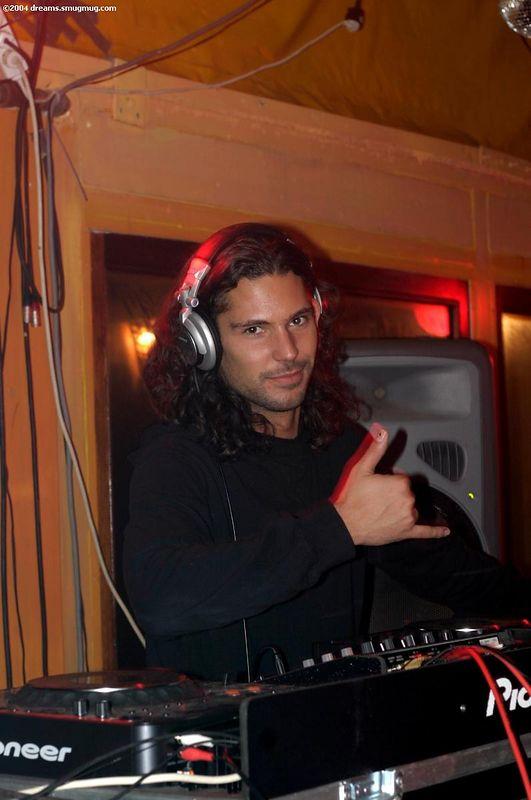 DJ Victor Coral