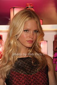 Erin Heatherton photo  by Rob Rich © 2011 robwayne1@aol.com 516-676-3939
