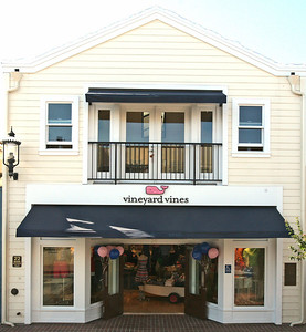VINEYARD VINES PRODUCT/STORE PROJECT