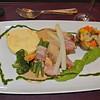 Duke of Berkshire haasje in romig fine champagnesausje <br /> met mosterdvruchten op zalfje van primeurerwtjes <br /> met asperge en macaire aardappelen...