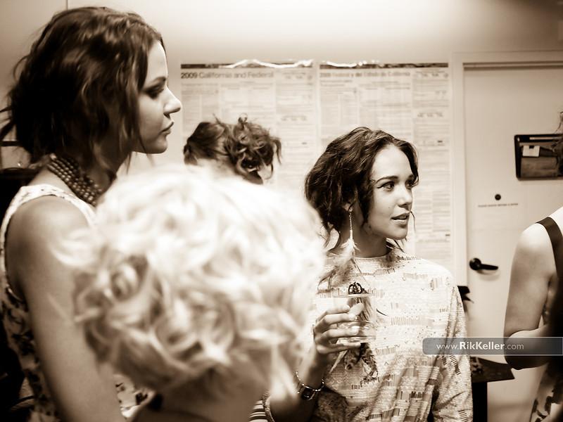 P5075134<br /> Jenna Lee (L) and Annie Alvarez (R) before the show