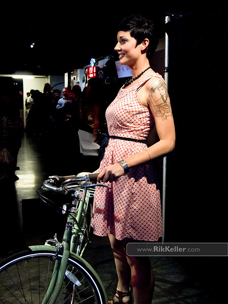 """P5075201<br /> Susan Thompson<br /> 'daytime"""" look with a Linus bike from Practical Cycle"""