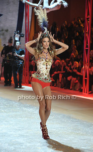 Alessandra Ambrosio Victoria Secret 2012 Fashion Show at the Lexington Avenue Armory In Attendance New York City, USA- 11-07-12 photo by Rob Rich/SocietyAllure.com © 2012 robwayne1@aol.com 516-676-3939
