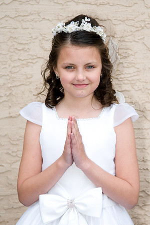 Victoria's First Communion May 31, 09