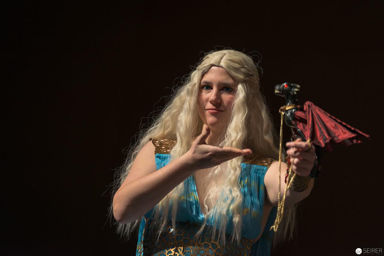 Vienna ComicCon Cosplay Contest 2016 - Daenerys Targaryen from Game of Thrones / Needlework, Cosplay: Sophie