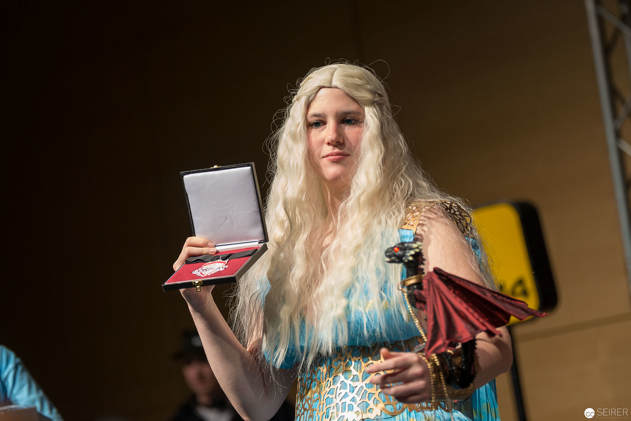 Vienna ComicCon Cosplay Contest 2016 - Daenerys Targaryen from Game of Thrones / Needlework, Cosplay: Sophie