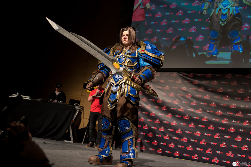 Vienna ComicCon Cosplay Contest 2016: arian Wrynn from World of Warcraft / Armor, Cosplay: Eye of Sauron Designs