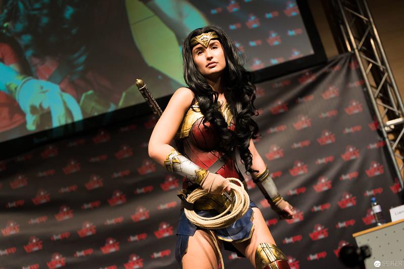 Vienna ComicCon Cosplay Contest 2016 - Wonder Woman from Batman vs Superman / Armor, Cosplay: Miss Marvelous