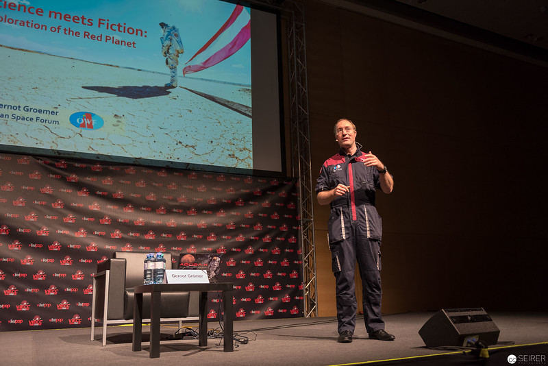 Science meets fiction: Exploration of the red planet / Gernot Grömer @ Vienna ComicCon 2016 VIECC