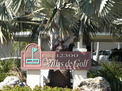 Entry to Villas de Golf