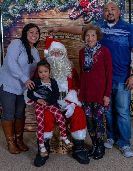 2019-12-20 Christmas -Vinyard Montessori -9444