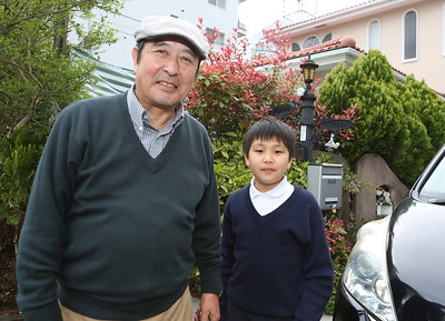 Young and growing Tsubasa kun (R) and his Grandfather Tonomura san on the (L)-next door neighbors to the WFC.