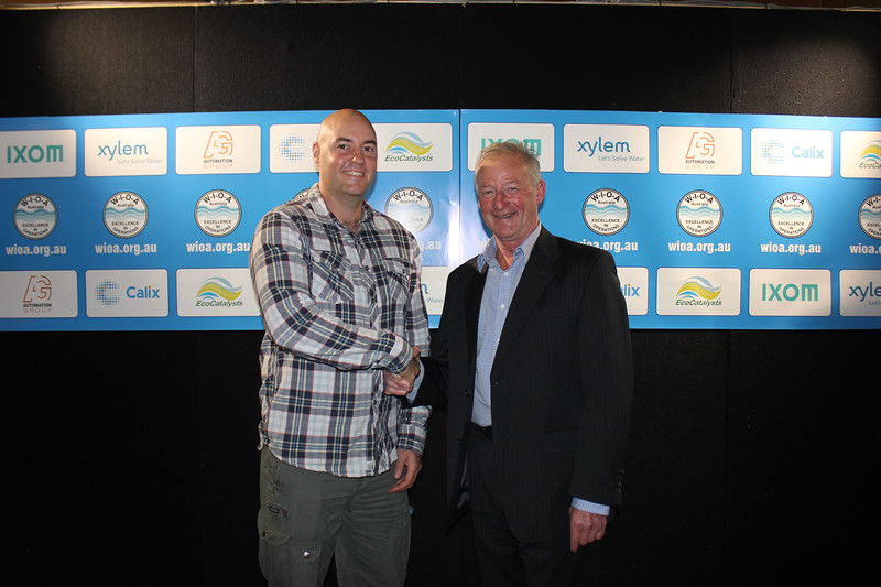 WIOA Prize for Best Poster by an Operator 1st - Scott Nichols (L) from Toowoomba Regional Council with Jim Martin from WIOA