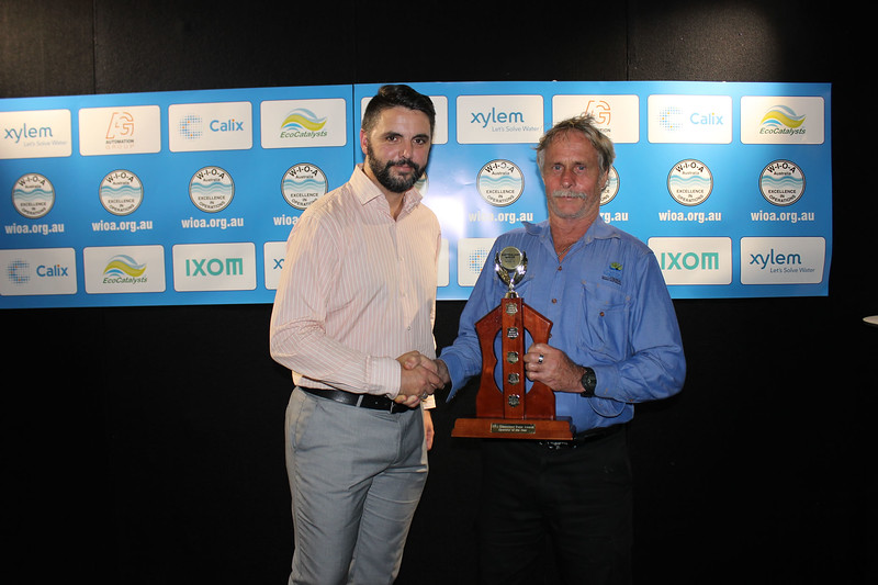 QLD Operator of the Year - Vern Atkinson (R) from Cairns Regional Council, with Matt Dawson from AWA