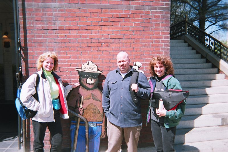 Becky, Sue, and Dad flew in on Thursday. Al arrived at 7am in the morning via train.  Mark arrived at the airport around 9:45am.  It is now a little past 11am in one of the world's most exciting cities and we are taking pictures in front of a cardboard bear