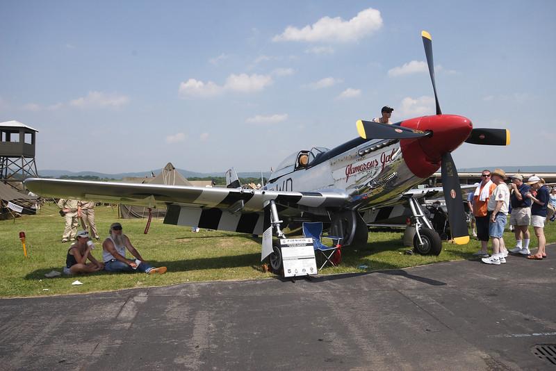 """P-51D Mustang """"Glamorous Gal:"""