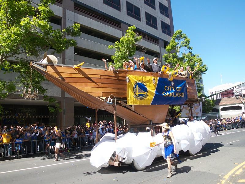 Warriors Parade 2015-06-19 at 10-29-38