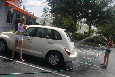 Waterford Lakes Hooters Carwash: 06-02-2012