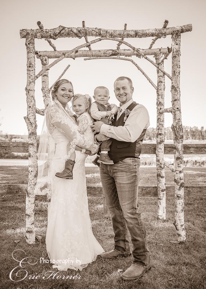 [F-016]-SarahJakeGriffes-Wedding-241-Copy 1