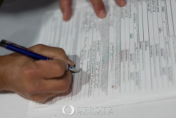 11_signing_475