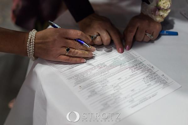 11_signing_458