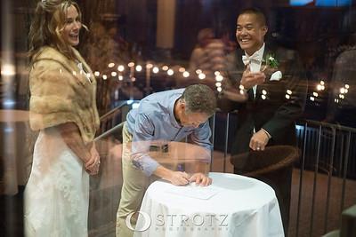11_signing_472