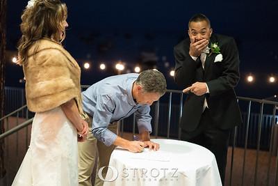 11_signing_473