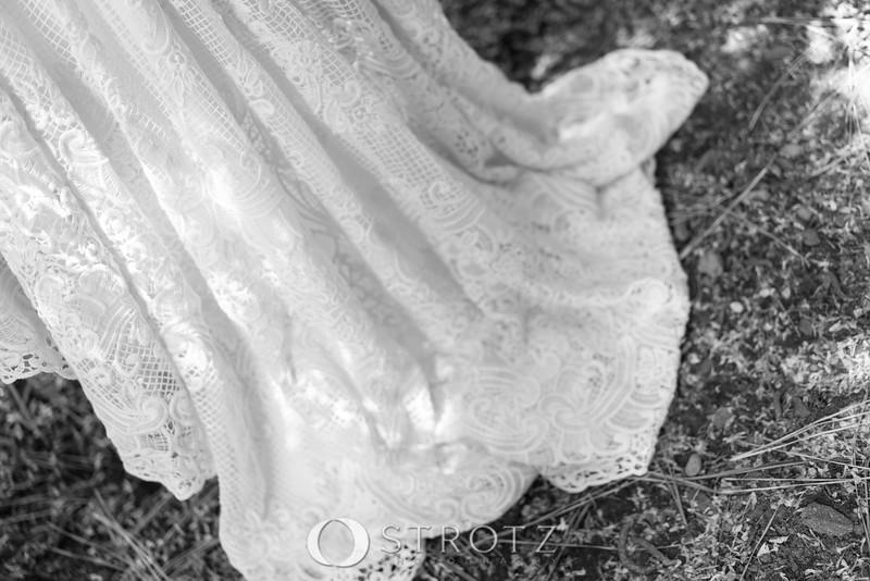 02_The Dress_0044