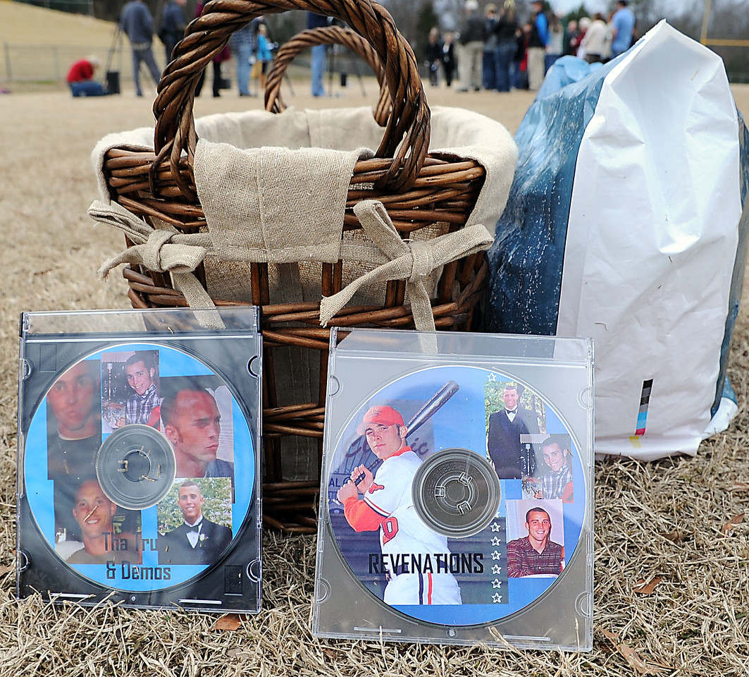 Friends and family remember Wes Swilling. The Vigil & Celebration Honoring the Life of Wes Swilling was held at Springfield Park in Mauldin, where Wes' standout athletic career got its start.<br /> GWINN DAVIS PHOTOS<br /> gwinndavisphotos.com (website)<br /> (864) 915-0411 (cell)<br /> gwinndavis@gmail.com  (e-mail) <br /> Gwinn Davis (FaceBook)