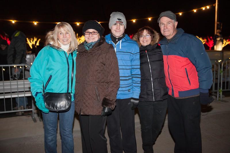 IMG_0241 Nancy Roche, Lena, Alex and Robert Gallagher and Svetlana Mosina