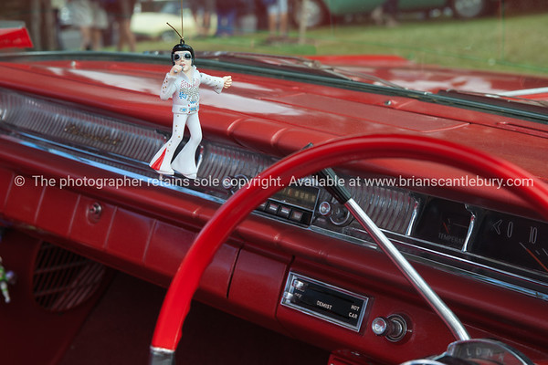 Whangamata Beach Hop 2012. Swinging Elvis.