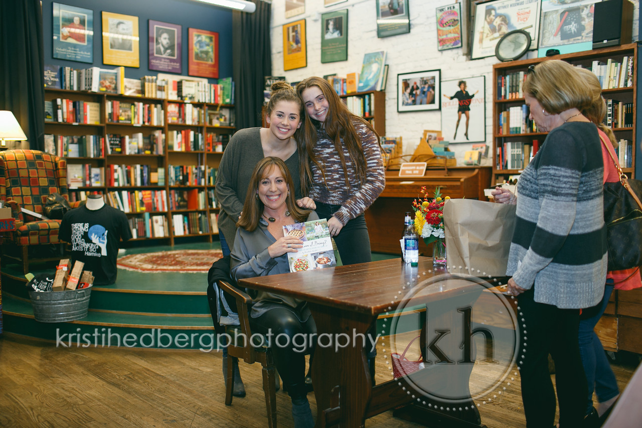 EH- Booksigning- KHP - 10:17:17- 026