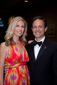 Laura Evans co-anchors the Fox 5 News at 5pm and contributes to the Fox 5 News Edge at 6 and 11, and the Fox 5 News at 10pm  Mike Manatos is the vice president of Manatos & Manatos (PR)