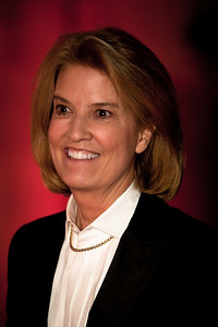 "Greta Van Susteren (journalist and television personality on the Fox News Channel, where she hosts ""On the Record with Greta Van Susteren"")"