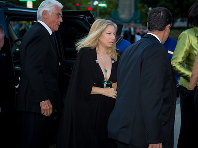 James Brolin and Barbra Streisand arrive for the WHCD