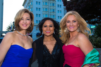 Chris Jansing, Kristen Welker, Alex Witt Jansing is host of Jansing and Company on MSNBC Witt currently hosts the television news program Weekends with Alex Witt on MSNBC Welker is NBC News White House Correspondent