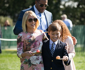 Kelly Ripa and son