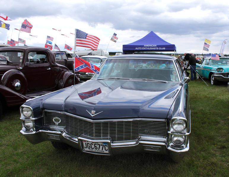 1965 Cadillac Calais at White Waltham Retro Festival Classic Car Rally 2011